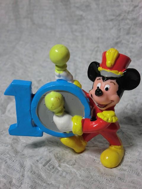 画像1: ミッキーマウスナンバー10PVCフィギュア (1)