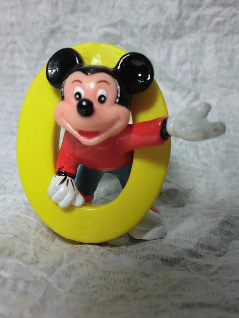 画像1: ミッキーマウス・ナンバー0PVCフィギュア (1)