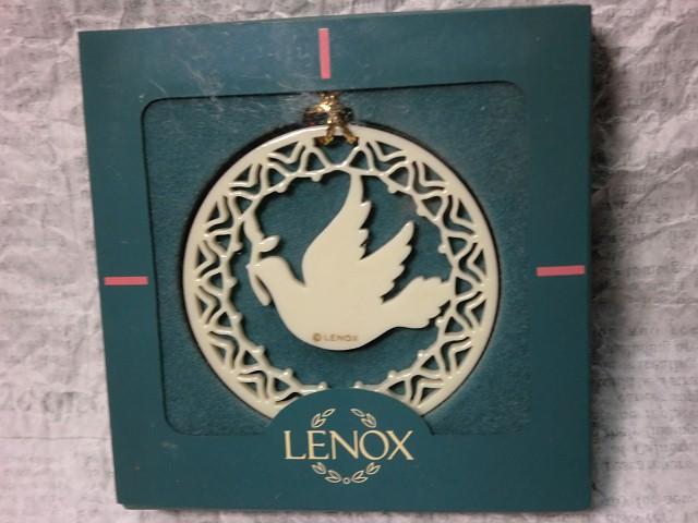 画像1: レノックスオーナメント(鳩) (1)