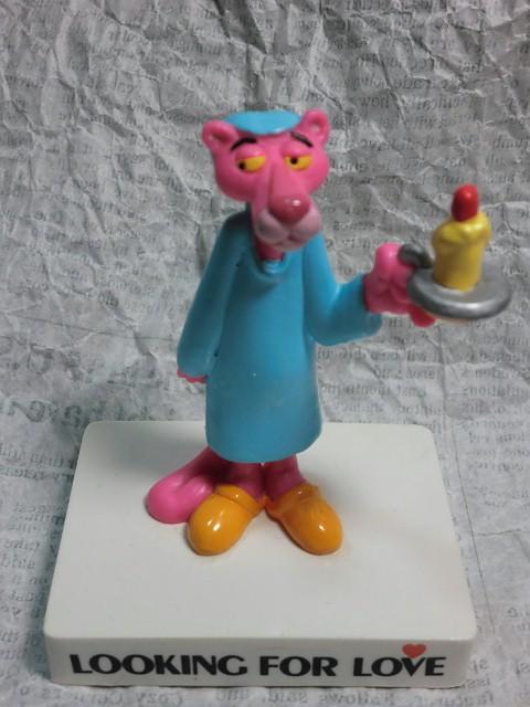 画像1: ピンクパンサー・台付きPVCフィギュア(パジャマ) (1)