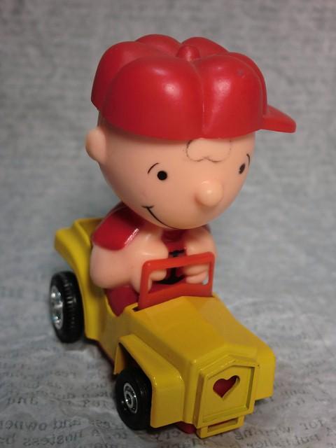 画像1: チャーリーブラウン・ダイキャストカー (1)