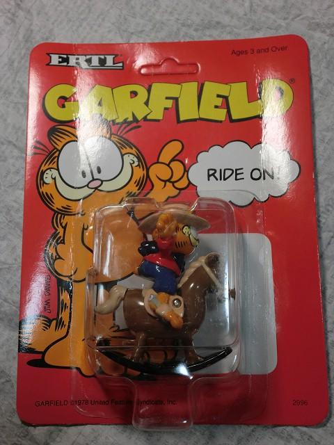 画像1: ガーフィールド・ダイキャストカー(ロッキングホース) (1)