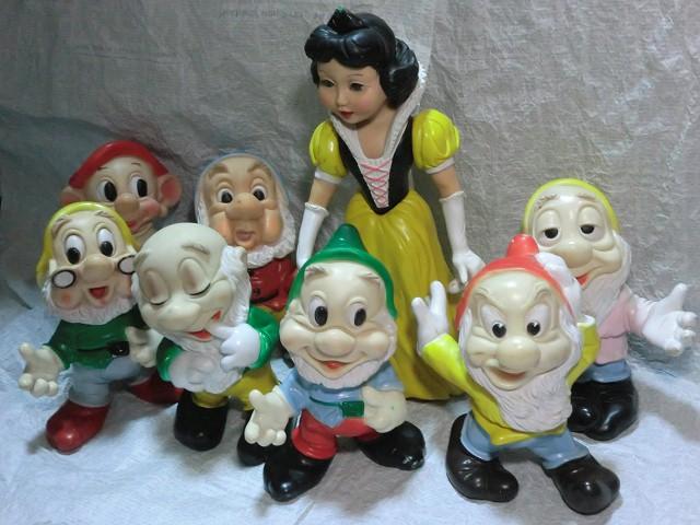 画像1: 白雪姫と7人のこびとドールセット (1)
