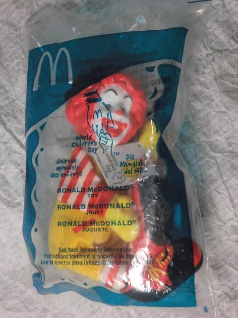 画像1: ロナルド指人形 (1)
