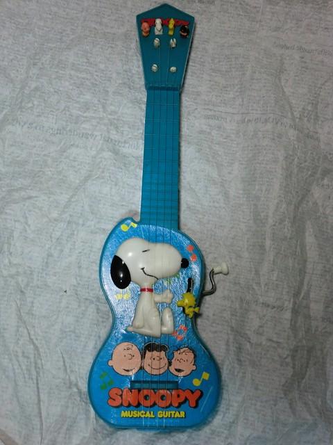 画像1: スヌーピーミュージカルギター (1)